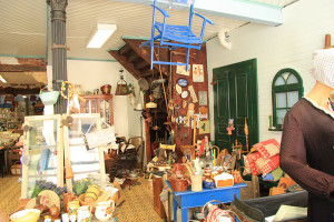 Antiquitäten & Mehr / Marlies Damm - Ladenansicht